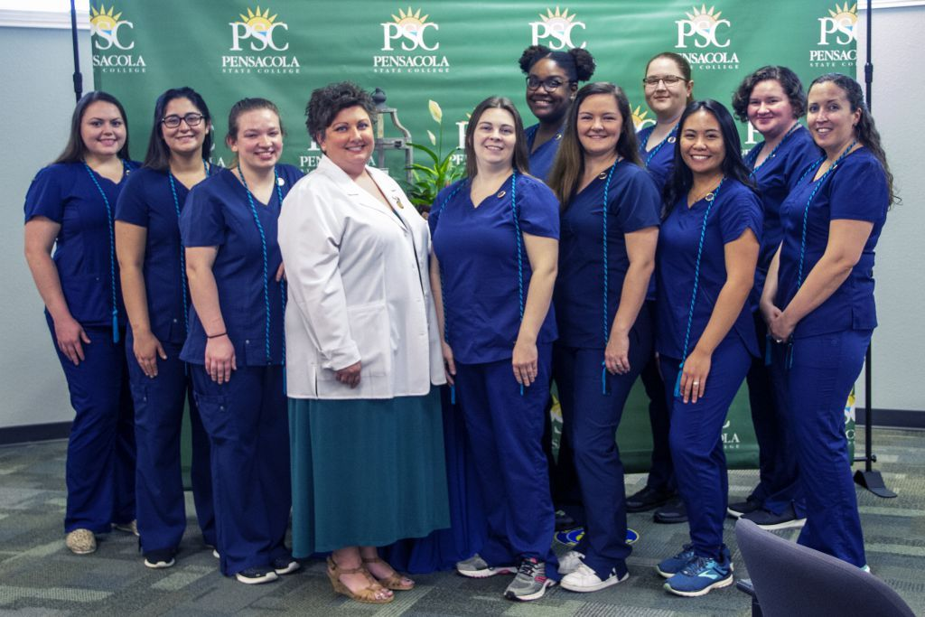 decorative image of vettechpinning2021 , PSC Vet Tech graduates tackle all aspects of animal care 2021-05-12 14:22:38
